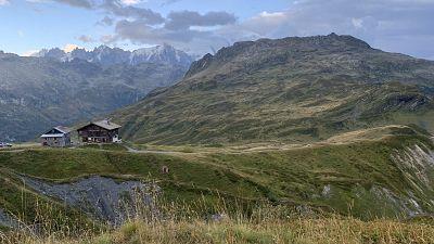 First glimpse of Refuge de Moëde-Anterne