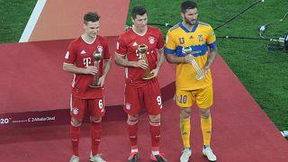Leh futbolcu Lewandowski Almanya'da 1972'den beri kırılamayan gol rekorunu egale etti
