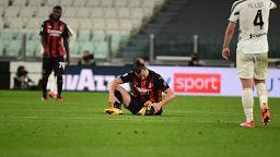 Sakatlanan İsveçli yıldız Zlatan Ibrahimovic Avrupa Futbol Şampiyonası'na katılamayacak