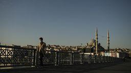 Türkiye'de son 24 saatte Covid-19'dan 236 kişi hayatını kaybetti