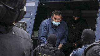 Депутат-неонацист доставлен в Афины