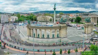 A Hősök teréről rajtolt a mezőny a Tour de Hongrie budapesti, utolsó szakaszán