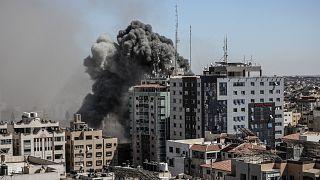 AP'nin Gazze'deki ofisi İsrail'in hava saldırısına uğradı