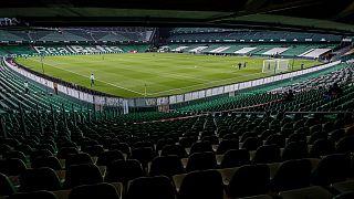 Estádios espanhóis reabrem as portas