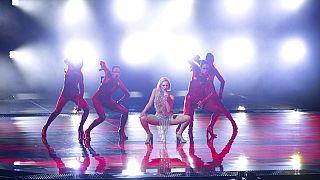 Festival da Eurovisão avança apesar de dois casos de Covid-19
