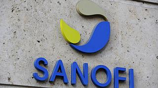 La farmacéutica francesa Sanofi lanzará su vacuna contra la covid-19 a finales de 2021