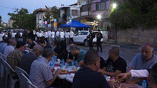 Residentes palestinos del disputado barrio de Jerusalén Este