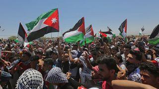 تأتي مذكرة البرلمان الأردني بالتزامن مع مظاهرات حاشدة مؤيدة لفلسطين شهدتها عمان