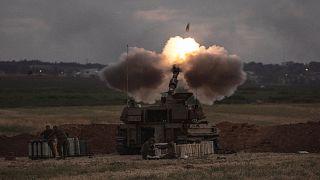 مدفعية إسرائيلية متمركزة في محيط غزة تقصف أهدافاً فلسطينية في القطاع