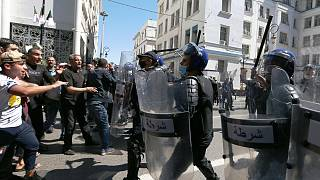 مع اقتراب الانتخابات التشريعية المبكرة المقررة في 12 يونيو يتزايد قمع المحتجين والمعارضين والصحافيين المستقلين في الجزائر