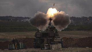 İsrail ordu birliklerinin Gazze'ye yönelik topçu atışı sürüyor