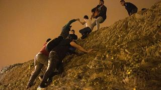 Des milliers de Marocains débarquent à Ceuta