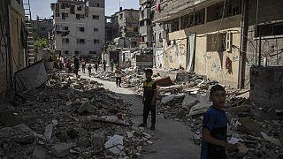 İsrail'in 10 Mayıs'tan bu yana hava ve karadan vurmaya devam ettiği Gazze Şeridi'nde tablo giderek ağırlaşıyor.