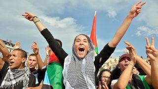 مظاهرة بمدينة ليون وسط شرق فرنسا احتجاجا على الحملة العسكرية الإسرائيلية على قطاع غزة. 26/07/2014