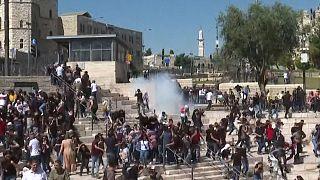 Erőszakkal oszlattak fel egy palesztin-barát tüntetést az izraeli biztonsági erők Jeruzsálemben