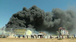 حريق في معمل جراء القصف على غزة