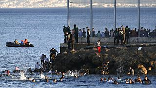 Noch nie sind so viele Menschen an einem Tag von Marokko nach Ceuta gelangt