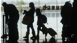 Пассажиры в аэропорту Солт-Лейк-Сити