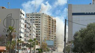 تصاویری از غزه؛ لحظه اصابت موشک اسرائیلی به ساختمانی در مرکز شهر