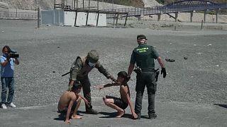 No comment: gyerekek is átúsztak Marokkóból Ceutába