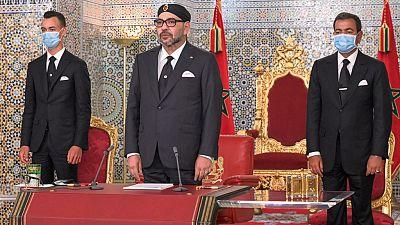 """France : deux journalistes jugés pour """"chantage"""" sur le roi du Maroc"""