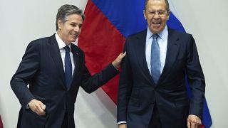 Faccia a faccia Blinken-Lavrov: prove di disgelo tra Usa e Russia