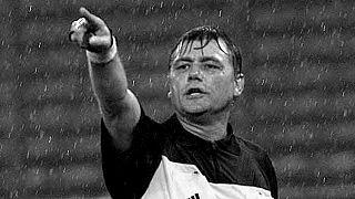 Puhl Sándor utolsó válogatott mérkőzésén, az Olaszország-Anglia találkozón 2000. november 15-én, Torinóban.