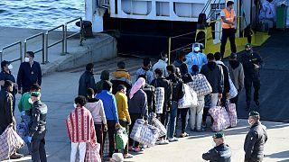 ورود مهاجران از آفریقا به جزیره لامپدوزا در جنوب ایتالیا