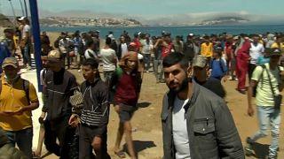 Migrantes a la espera de otra ocasión para pasar la frontera