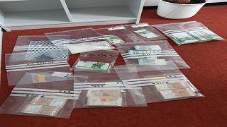 الشرطة الأوروبية  تنجح في تفكيك اخطر عصابات تزوير العملات المرتبطة بالمافيا الإيطالية