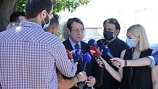 Ο πρόεδρος της Κύπρου Νίκος Αναστασιάδης κάνει δηλώσεις μετά από επίσκεψη στον Ξενώνα Νεανίδων, στο Πλατύ Αγλαντζιάς.