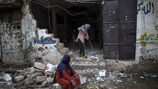 Gázában a romeltakarításról, Jeruzsálemben újabb zavargásról szólt a tűzszünet első napja