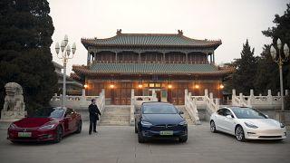 Çin'de Tesla araçlar