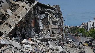 تصاویری از ویرانیهای جنگ ۱۱ روزه غزه؛ ساکنان ساختمانهای ویران بازگشتند