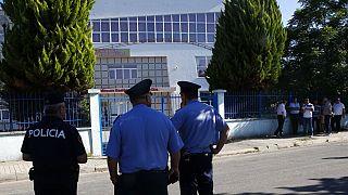 Rendőrök az albán fővárosban (illusztráció)
