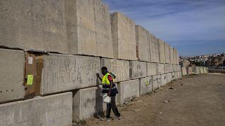 A Ceuta, les migrants qui ont réussi à pénétrer dans l'enclave espagnole sont livrés à eux-mêmes