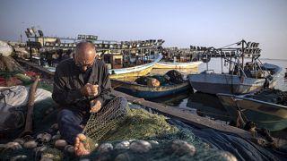صياد أسماك فلسطيني في غزة