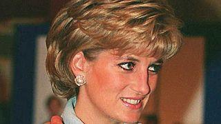 توفيت الأميرة ديانا جراء حادث سير في باريس سنة 1997 عن 36 عاماً.