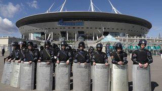 """Полицейские учения перед стадионом """"Газпром Арена"""""""