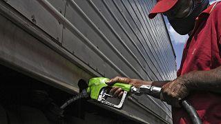 تعاني فنزويلا من نقص حاد في المحروقات المخصصة للاستهلاك المحلي
