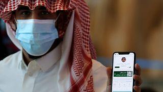 السعودية نيوز |      السعودية تسعى لتوسيع رقعة التطعيم ضد كورونا بتضييق الخناق على معارضيه
