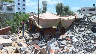 خيمة فوق الركام في  غزة