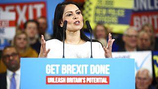 Großbritanniens Innenministerin Priti Patel im Wahlkampf am 02.12.2019