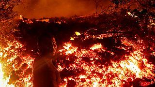 KDC'nin doğusundaki Nyiragongo yanardağı patladı