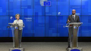 رئيس المجلس الأوروبي، شارل ميشال ورئيسة المفوضية الأوروبية اورسولا فون دير لاين، الثلاثاء 25 أيار/مايو 2021