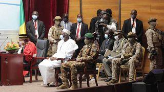 Mali: Militär setzt Präsident und Ministerpräsident ab