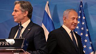 رئيس الوزراء الإسرائيلي بنيامين نتنياهو ووزير الخارجية الأمريكي أنتوني بلينكين في مؤتمر صحفي مشترك في القدس في 25 مايو 2021.
