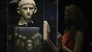 Cabeza de bronce del emperador Nerón  datada en 54-61 después de Cristo. Museo Británico, Reino Unido