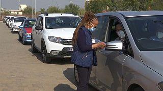 Afrique du Sud : se faire vacciner au volant de sa voiture