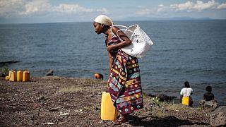 DR Congo: Locals trek to Lake Kivu as volcano crisis cuts water supply